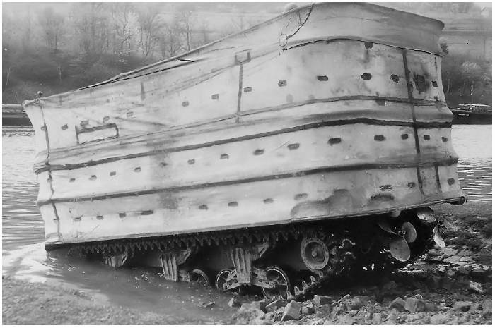 http://www.strijdbewijs.nl/tanks/sherman/m4a1(76)w/m531.jpg